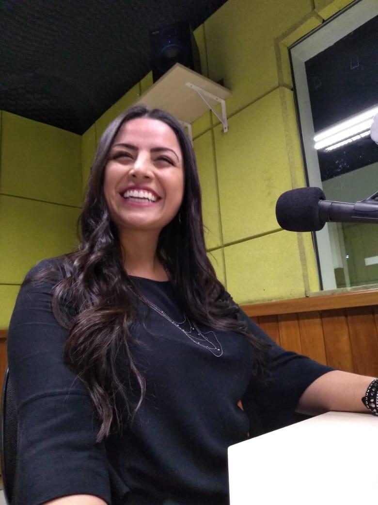 Cristiane Assumpção - Entrevista Rádio Evangelizar - NAMORO